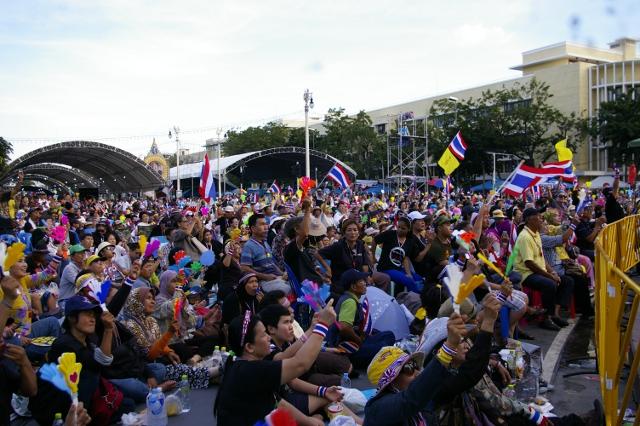 反政府グループがバンコク都内で集会