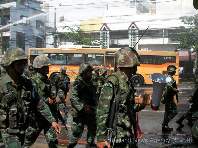 反独裁民主戦線(UDD)に突入するタイ軍2